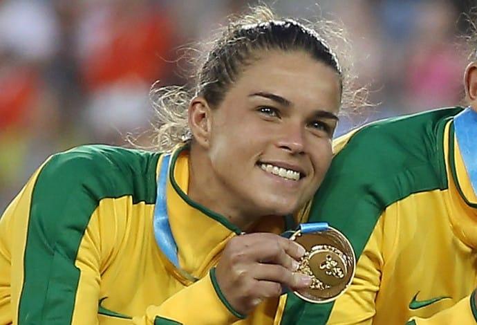Saiba mais sobre Tamires, lateral-esquerda do Corinthians  que defenderá a seleção brasileira de futebol feminino nos Jogos Olímpicos de Tóquio 2020