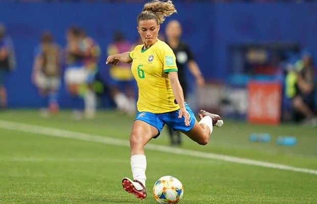 Tamires lateral-esquerda seleção brasileira de futebol feminino Tóquio 2020