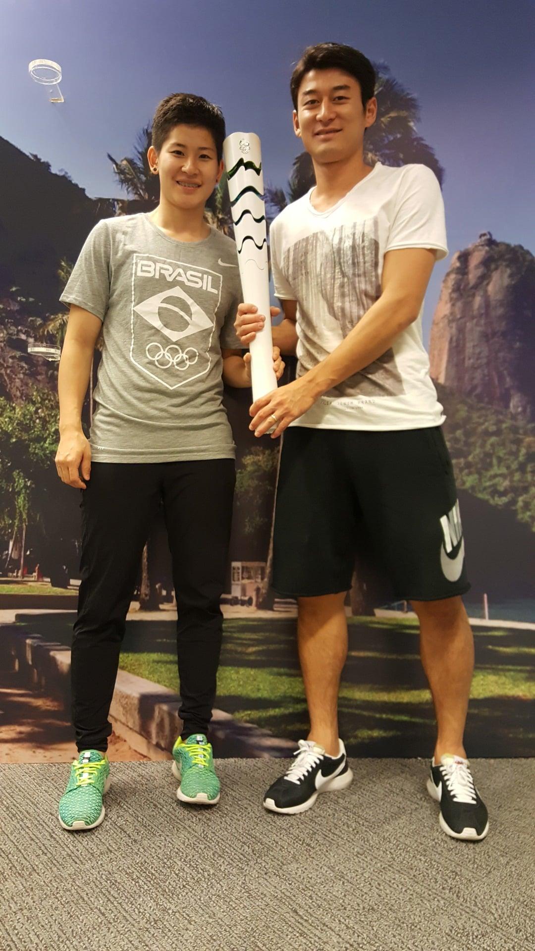 Carol Kumahara, do tênis de mesa, e o irmão Caio - Rio 2016
