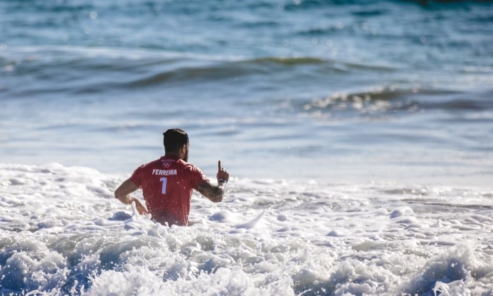 Ítalo Ferreira e Gabriel Medina Surfe brasileiros wsl finals taiti surfe