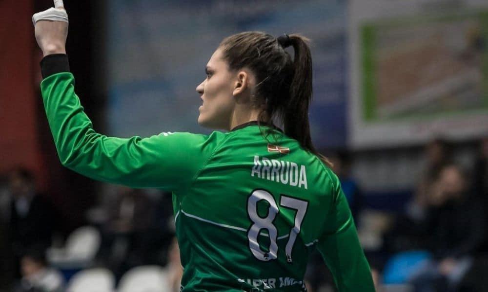 Renata Arruda - goleira - seleção brasileira de handebol feminino - Jogos Olímpicos de Tóquio 2020