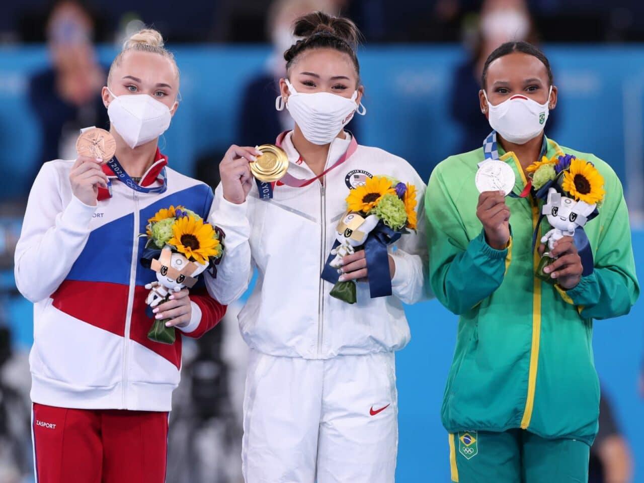 Rebeca Andrade é prata no individual geral nos Jogos Olímpicos de Tóquio 2020 e conquista 1ª medalha da ginástica artística feminina do Brasil