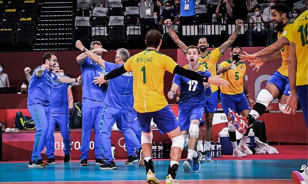 Em jogaço, Brasil vence a França e fecha a fase de grupos em Tóquio