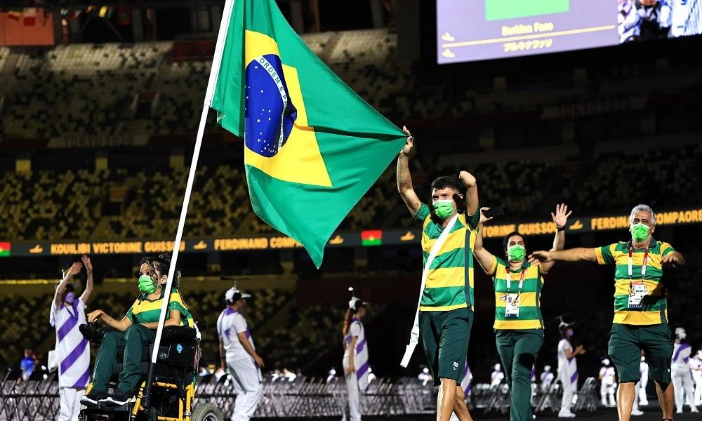 Evelyn Oliveira e Petrúcio Ferreira abertura dos jogos paralímpicos de tóquio 2020
