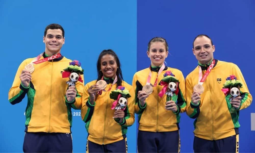 Gabriela Bandeira, Ana Karolina Soares, Débora Carneiro e Felipe Vila Real Revezamento 4 x 100 m misto S14 Jogos Paralímpicos Tóquio 2020