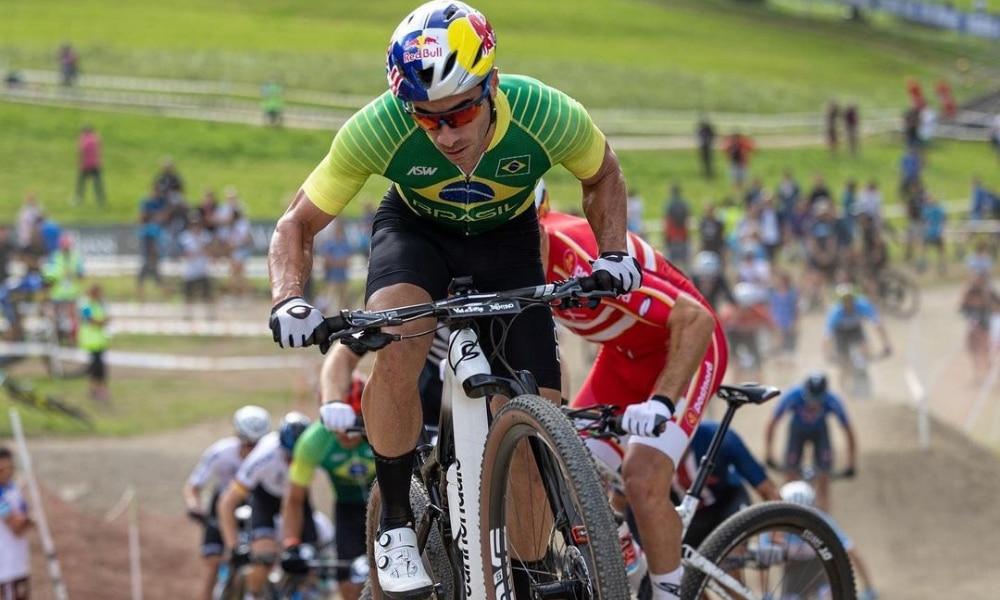 Henrique Avancini, Luiz Henrique Cocuzzi e Ulan Galinski disputaram o a final do XCC no Mundial de Mountain Bike