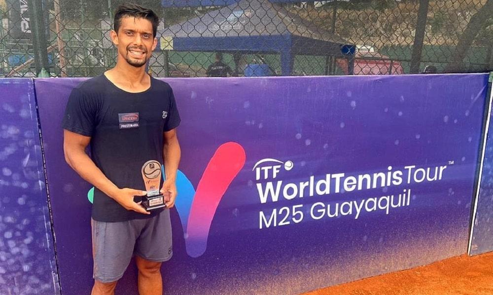 José Pereira perde de colombiano e fica com o vice no ITF de Guayaquil