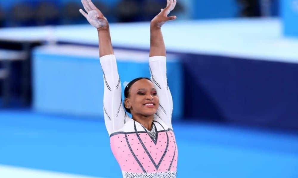 Rebeca após o salto que lhe garantiu a medalha de ouro dos Jogos Olímpicos de Tóquio 2020 - Foto: Ricardo Bufolin / CBG maturidade representatividade