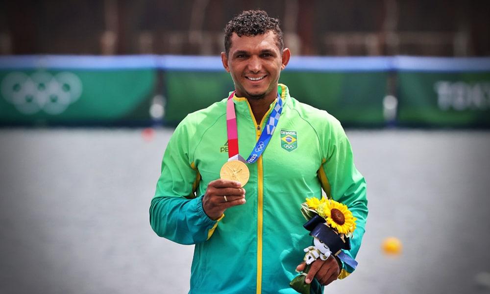 Isaquias Queiroz ouro Jogos Olímpicos canoagem velocidade Tóquio Olimpíada