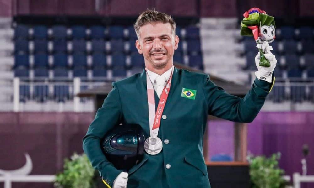 rodolpho riskalla medalha de prata hipismo jogos paralímpicos tóquio 2020