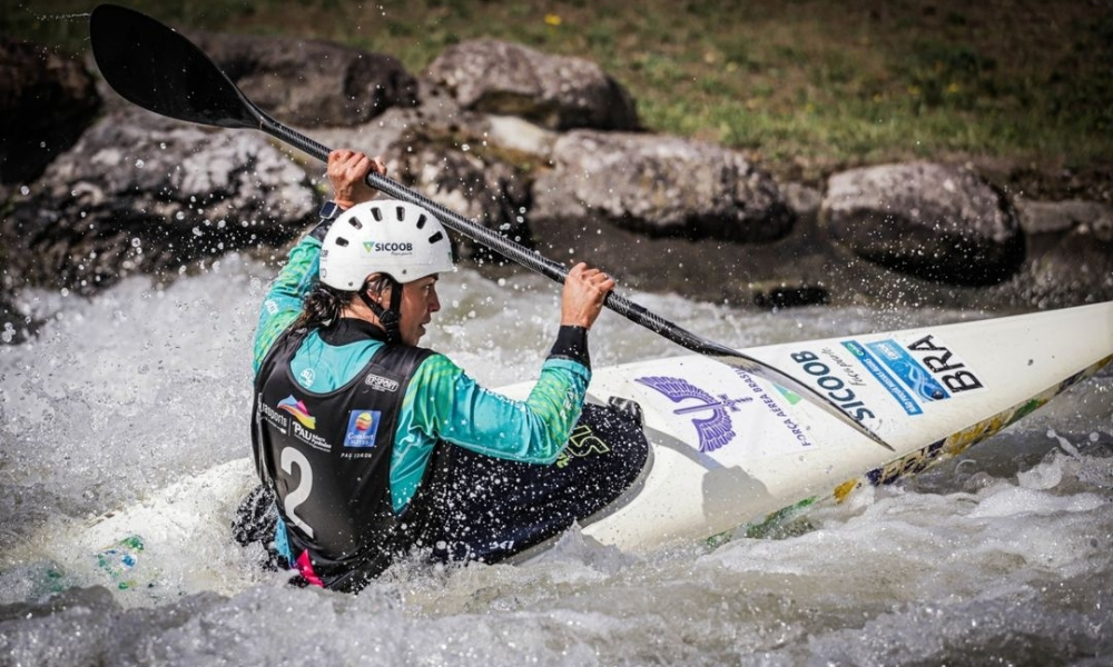 Ana Sátila e Mathieu Desnos avançam na Copa do Mundo de canoagem slalom. Pepê Gonçalves fica fora da semi