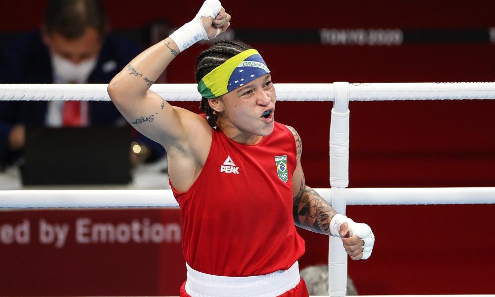 Bia Ferreira vence recurso e vai à semi do Mundial Militar de Boxe