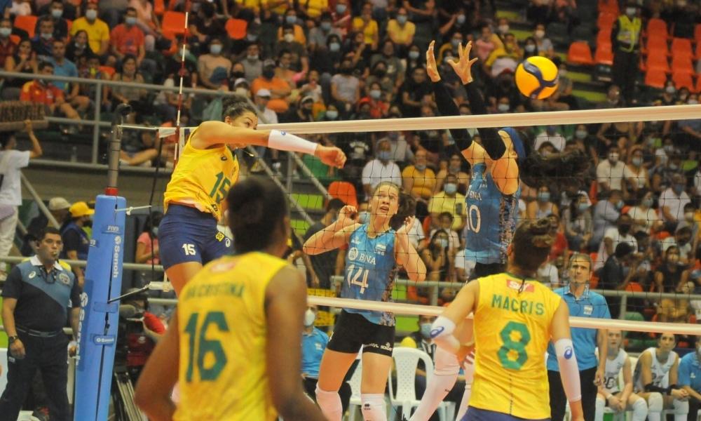 Brasil e Colômbia duelam no Sul-Americano de vôlei feminino