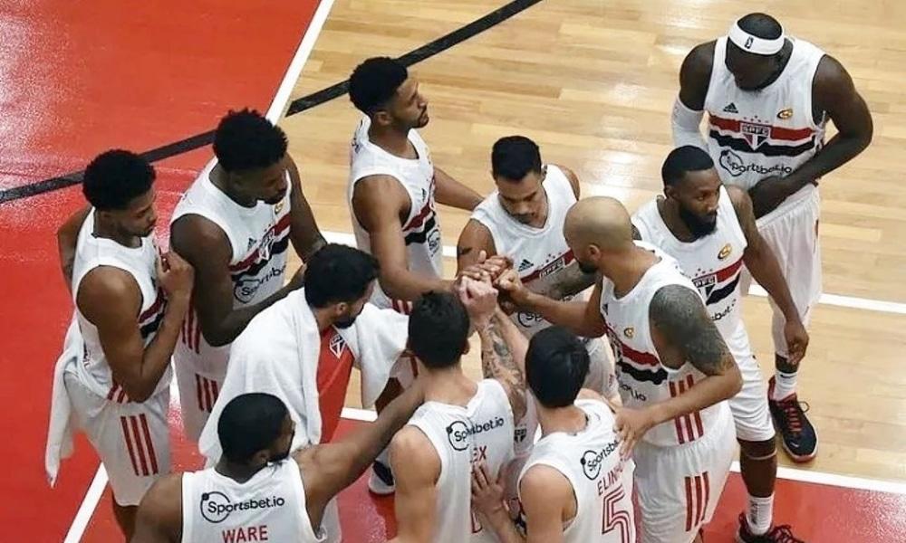 São Paulo atropela Pinheiros e volta a vencer no Paulista de basquete masculino