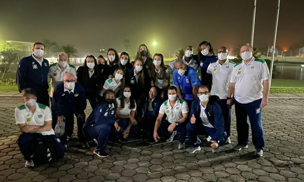 Brasil embarca para o Mundial Sub-18 de vôlei feminino no México