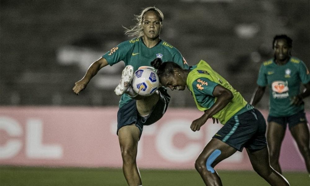 Pia comanda primeiro treino da Seleção Feminina em João Pessoa