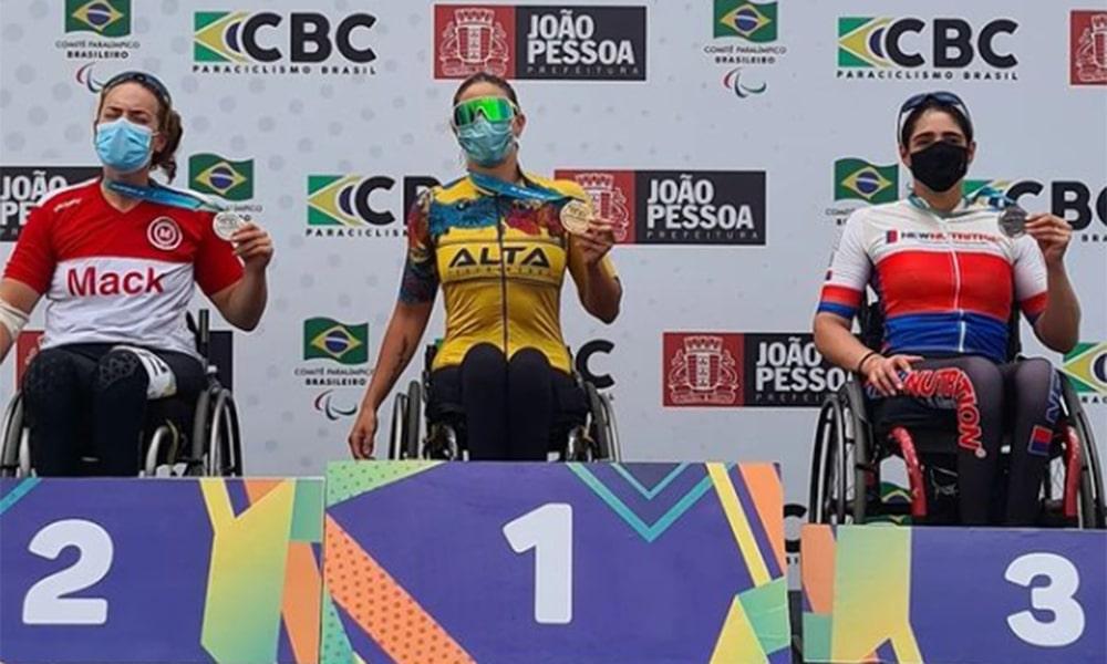 Jessica Messali Copa do Brasil Paraciclismo de Estrada pódio