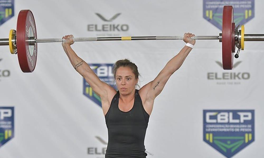 Luiza Dias Campeonato Brasileiro de Levantamento de peso campeã 49kg