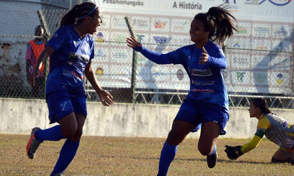 Victória Liz Paulista de futebol feminino Taubaté Pinda