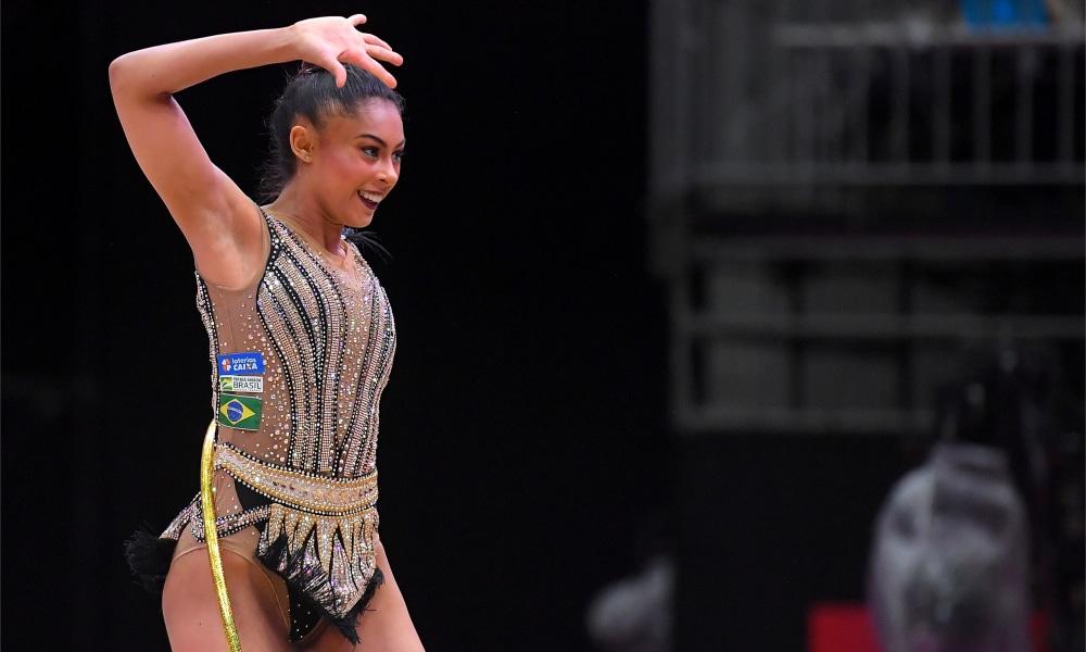 Bárbara Domingos vai à final do individual geral no Mundial de ginástica rítmica