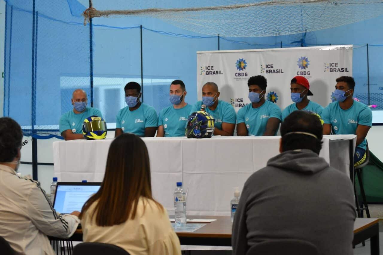 Atletas do Bobsled Brasileiro concedem entrevista coletiva na Arena Ice Brasil