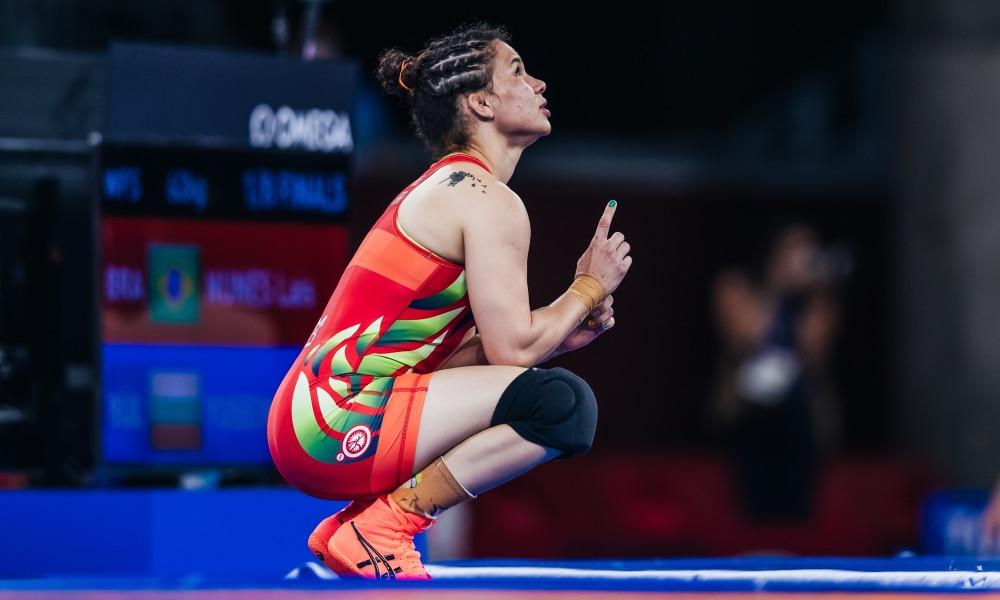 Laís Nunes perde semifinal e vai brigar pelo bronze no Mundial de wrestling