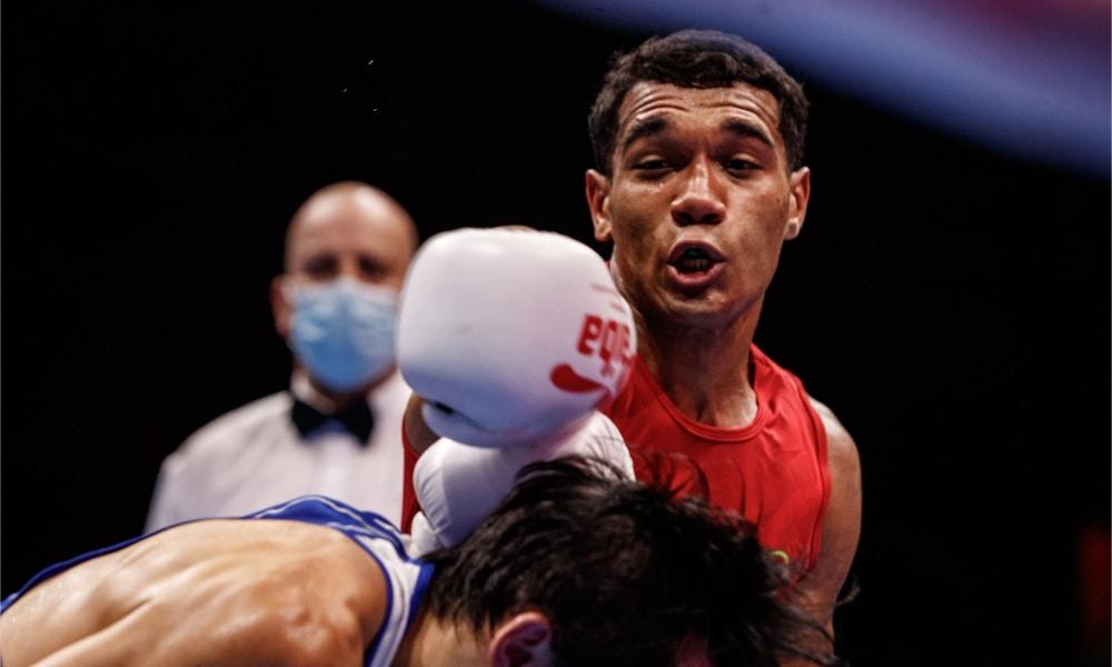 Luiz Oliveira vence segunda luta e vai às oitavas no Mundial de boxe