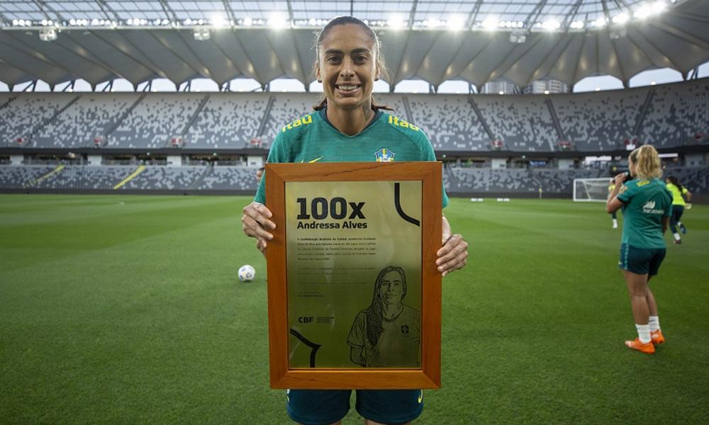 Andressa Alves 100 jogos seleção feminina futebol futebol feminino