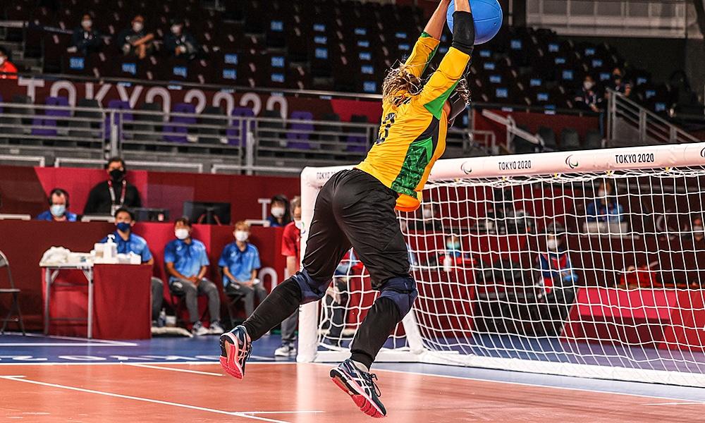 Carol Duarte seleção brasileira de goalball feminino arremesso costas