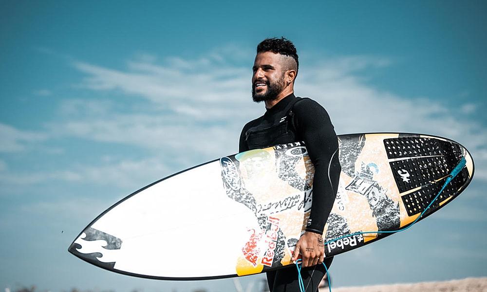Italo Ferreira surfe Challenger Series Portugal