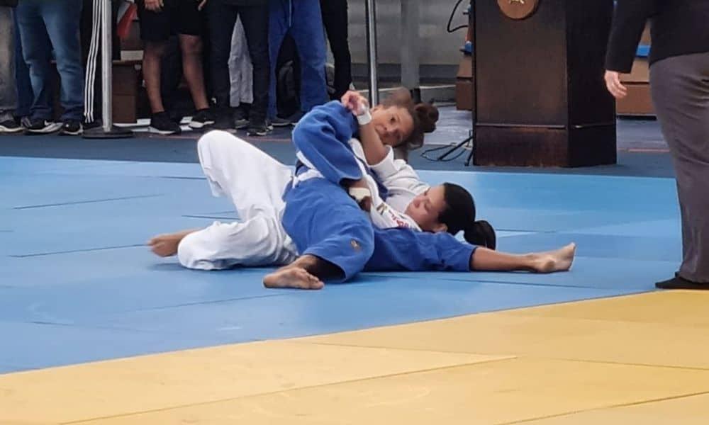 Rafaela Silva vence por 2 a 0 a judoca Jessica Pereira